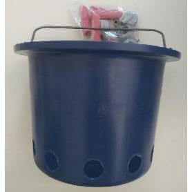 Gewa bucket for feeding calves with 5 teats